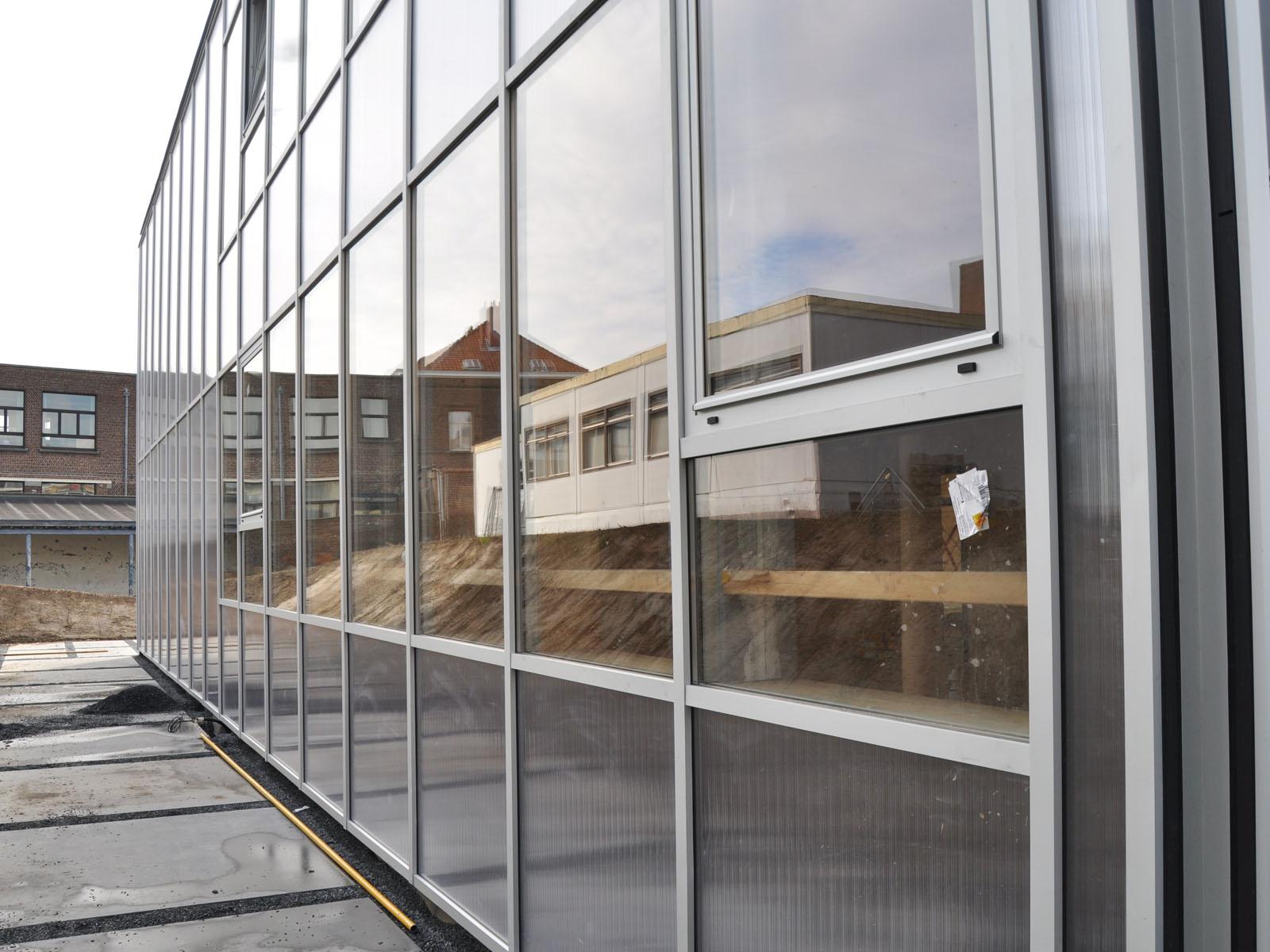Construction d'une école à Neder-Over-Heembeek